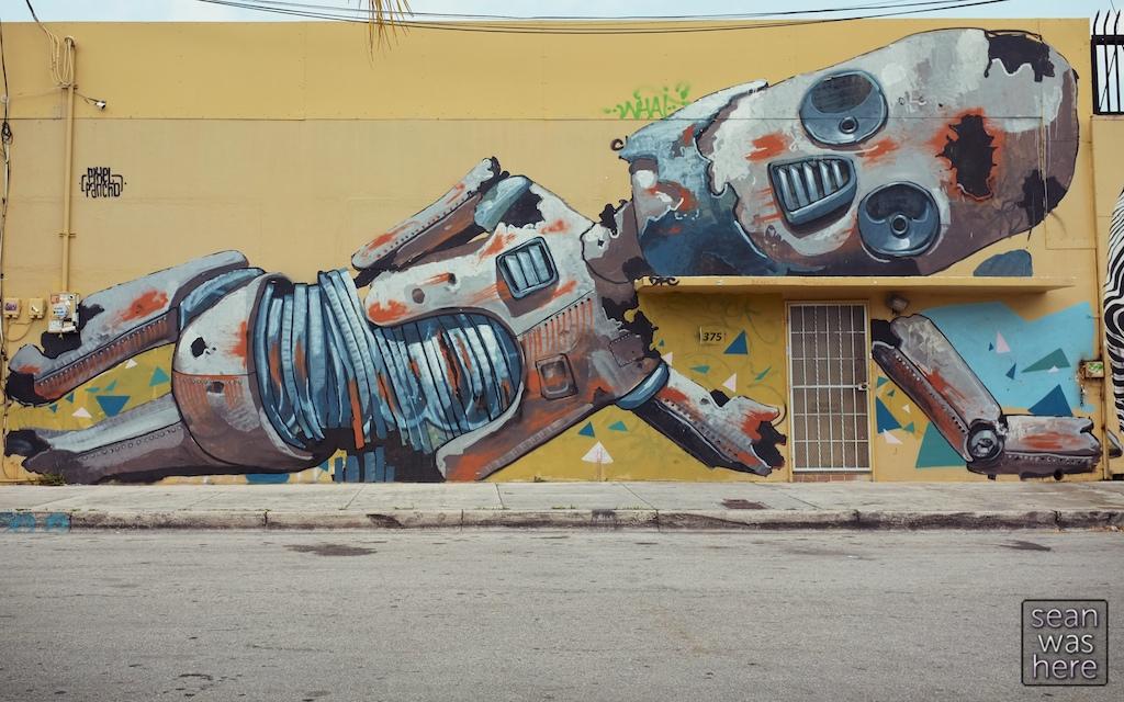 Wynwood Robot by Pixel Pancho. Wynwood Miami
