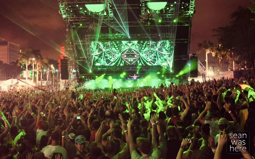 Eye Supply Visuals. WorldWide Stage. Ultra Music Festival, Downtown Miami