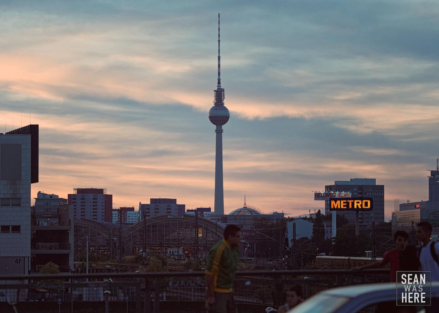 Berliner Fernsehturm Tower at Sunset. Berlin, Germany