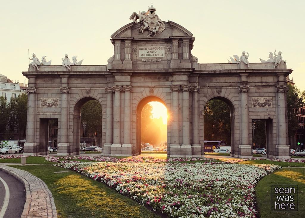 Puerta de Alcalá, Madrid Spain