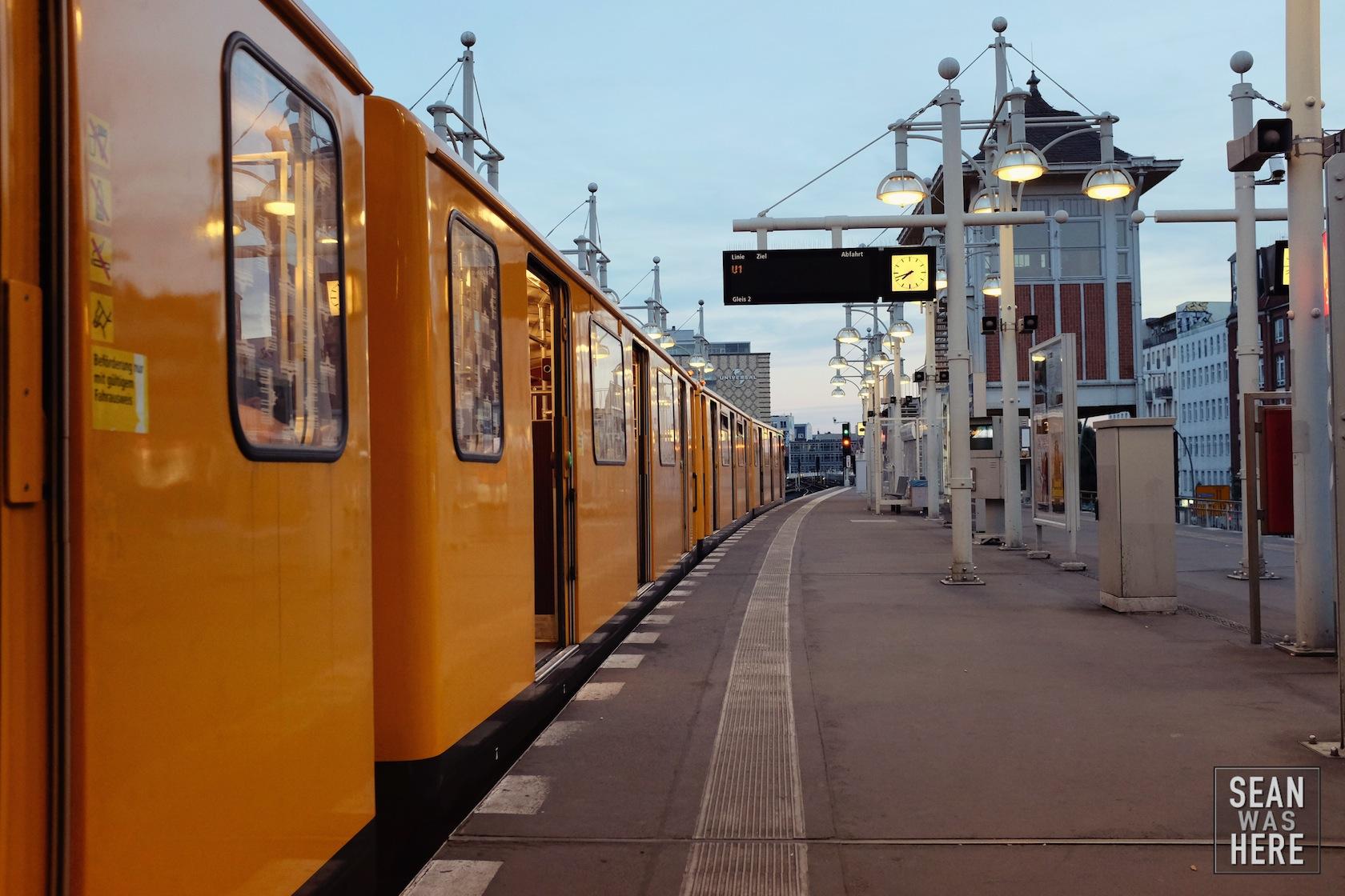 Metro, Bahn. Berlin Germany