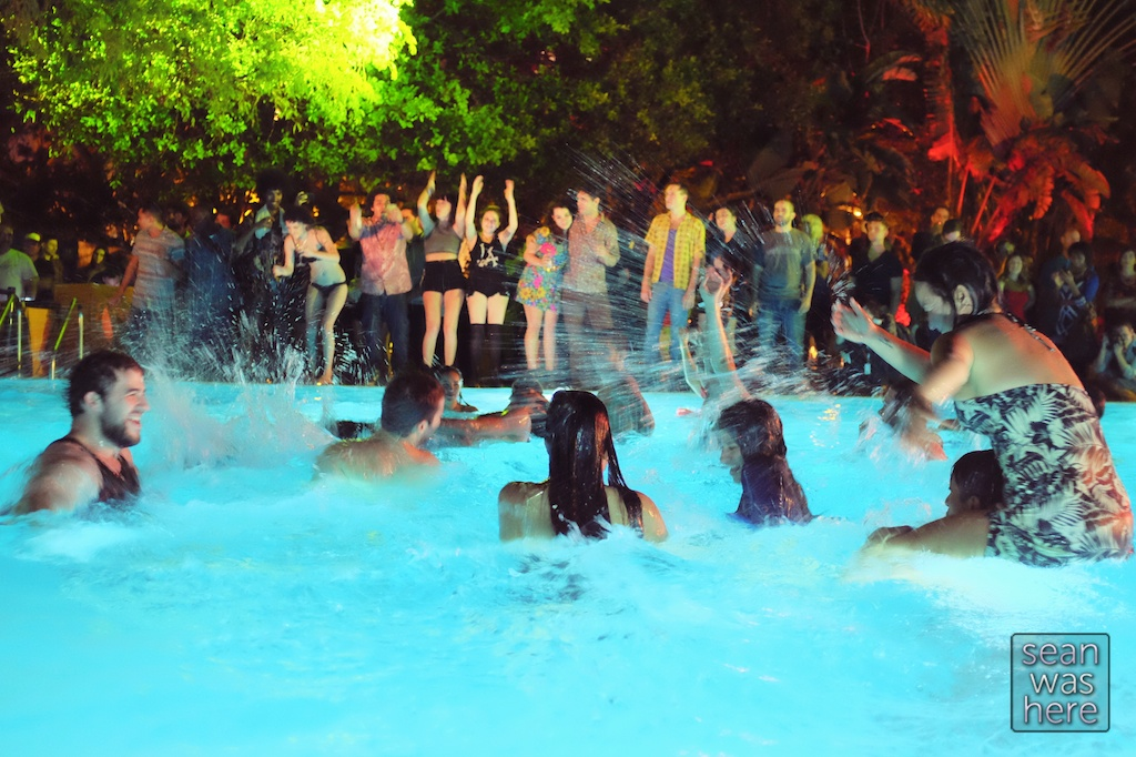 Images For > Night Pool Party Tumblr